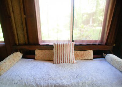 SScocohale_daybed2